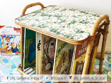 Table d'appoint En Rotin Vintage Range Vinyle @Silly, Gallieni et le quai