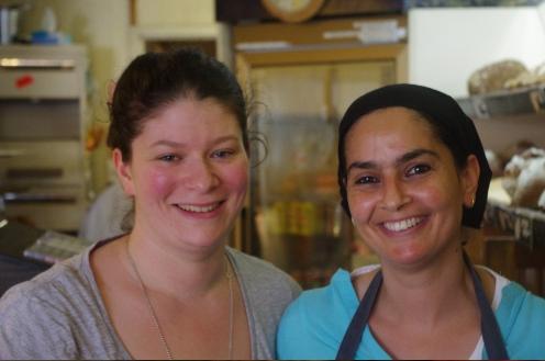 Emilie et son employée - Cerise